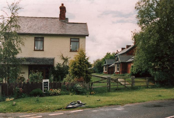 Allerston Lane Crossing, June 1995
